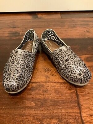 $17 • Buy TOMS Women's Silver Leopard Sequin Classic Flats, Size 7 (US)