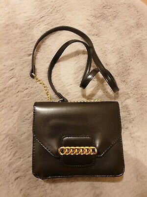 ASOS DESIGN Cross Body Bag With Chain Detail • 8£