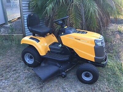 AU2700 • Buy Stiga Tornado Ride Mower