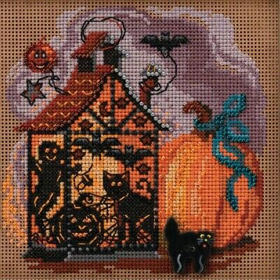 $12.99 • Buy Haunted Lantern Cross Stitch Kit Mill Hill 2020 Buttons & Beads Autumn MH142022