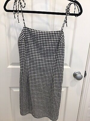 AU5 • Buy Universal Store Luck And Trouble Dress Size 6