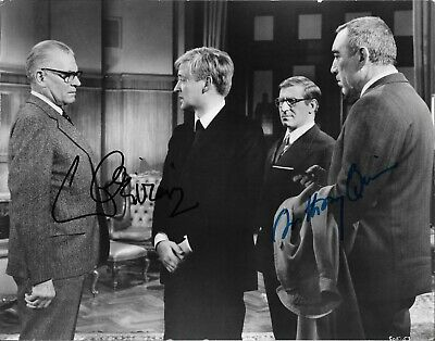LAURENCE OLIVIER & ANTHONY QUINN Autographed 8 X 10 Signed Photo HOLO COA • 56.16£