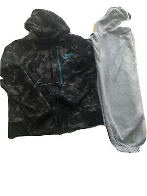 Nike Zipped Top And Nike Track Suit Bottom Age 10 • 9.99£