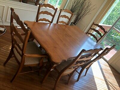 $275 • Buy Nichols And Stone (Stickley) Dining Room Set