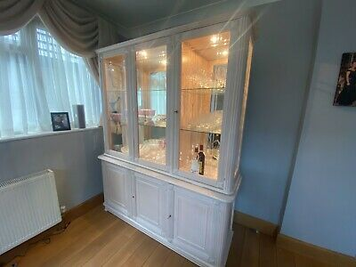 Dining Room Cabinet, Matching Tv/drinks Cabinet, Mirror, Coffee Tables • 250£