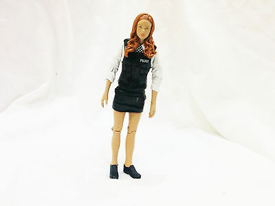Amy Pond Doctor Who Action Figure Police Outfit Companion  BBC  5  Scale  • 9.99£