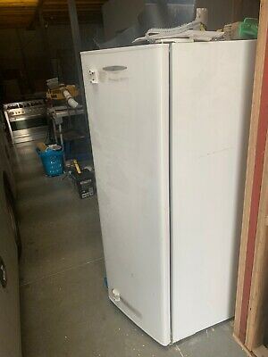 AU200 • Buy Fridge Fisher And Paykelq