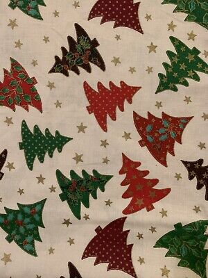 Fabric Remnant. 100% Christmas White/green/red Trees 40cm X 1 Metre • 2£