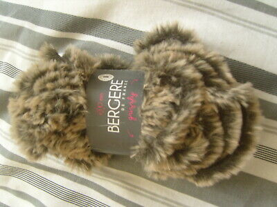 Bergere De France Grizzly ~ Soft & Fluffy Yarn ~ Shade Marron ~ 50g Brown • 4£