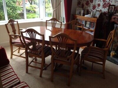 Bradley Yew Extending Dining Table And 6 Chairs. • 508£