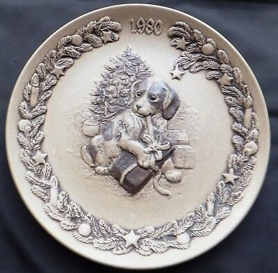 Christmas 1980 Poole Stoneware 8  Plate Designed By Barbara Linley Adams • 16£