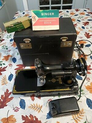 $243.50 • Buy Vintage Singer Sewing Machine 221K Featherweight With Case And Accessorie