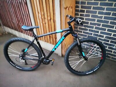 View Details Trek Marlin 5 Mountain Bike 29er Frame Size 21.5 • 300.00£
