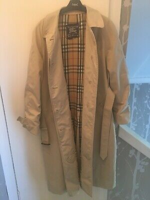 Ladies Vintage Burberry 'Specially For Rackhams' Belted Trenchcoat. Size 18 • 20£