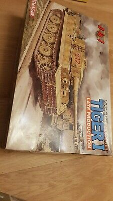 1/35 Tiger 1 (late) By Dragon   6253 • 67.99£