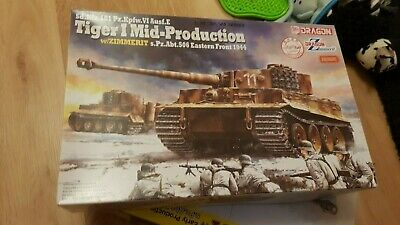 1/35 Tiger 1 (mid) By Dragon  6624 With Zimmerit • 79.99£