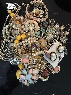 $ CDN34.21 • Buy Jewelry Vintage-Modern Huge  Lot Craft, Junk, Wearable,  Over One Full Pound