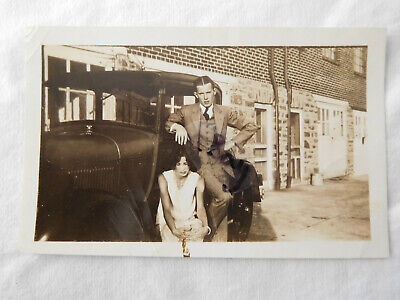 Young Man Flapper Woman Bonnie & Clyde Look Car Running Board Snapshot Photo • 6.01£