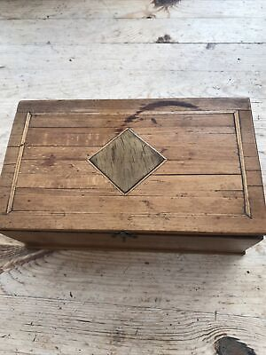 Small Wooden Box With Lid • 4.20£