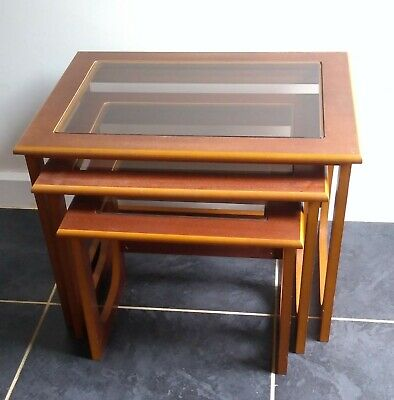 Nest Of Tables With Clear Glass Tops - COLLECTION RG5 • 5£