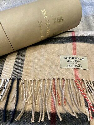 100% Authentic Cashmere Classic Burberry Scarf In Gift Box • 125£