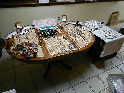 $ CDN215.05 • Buy 445 Piece Vintage Jewelry Lot RINGS ,Brooches, Necklaces, Bracelets, & Much More