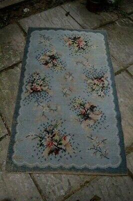 Vintage Floral Grey Wool Old Worn Rug. • 45£