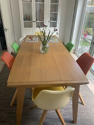 John Lewis Extending Dining Table. 6-8 Person. • 28.40£