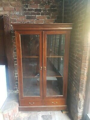 Antique Mahogany Display Cabinet • 150£