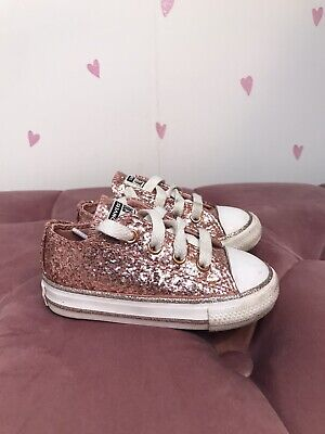 Girls Sequin Converse Size 9 • 14£