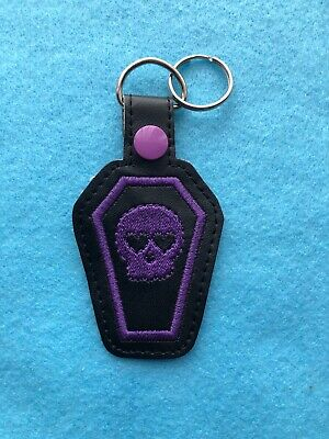 Purple Skull Coffin Heart Goth Keyring • 4£
