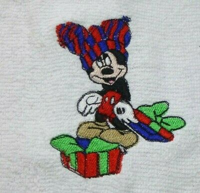 M. Mouse With Present, Embroidered White Face Cloth / Flannel, Christmas • 4.55£