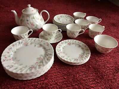 Wedgewood Bone China Tea Set Rosehip In Mint Condition • 135£