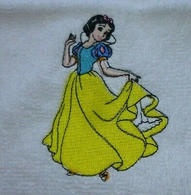 Snow White, Disney Princess Embroidered White Face Cloth / Flannel • 4.55£