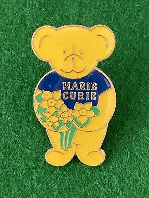 Collectable Pin Badge - Charity - Marie Curie - Bear With Bunch Of Daffodils • 1.99£