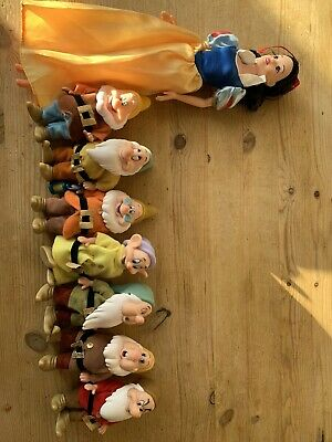 Disney Snow White And The Seven Dwarfs Doll Set • 15.90£