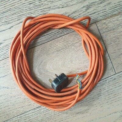 Twin & Earth Electric Power Cable With 13 Amp Plug One End • 4£