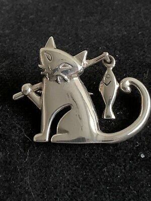 Silver 925 Brooch Cat With Fish  • 23£