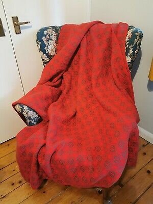 Beautiful Red Fabric - Believed To Be Welsh Wool (Blanket?). • 50£