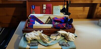 Vintage Wooden Masonic Case With Regalia, Jewels, Books, Gloves And Bow Tie. • 23.99£