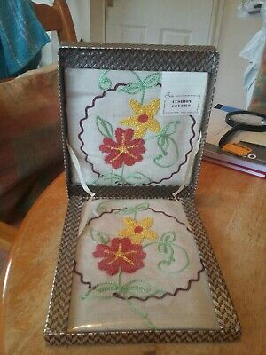VINTAGE BOXED IRISH EMBROIDERY CUSHION COVERS In ORIGINAL BOX 2 EMBROIDERED  • 4.74£