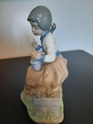 Lladro Nao Young Girl On Wall With Birds And Flowers. Immaculate Condition. • 13.99£