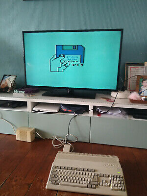 Commodore Amiga 500 Vintage Computer And External Drive • 45£