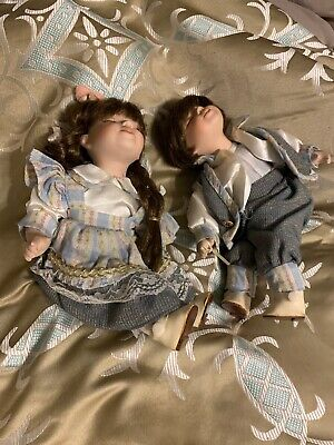 $ CDN18.24 • Buy Victorian Beauty Porcelain Kissing Dolls SET Boy & Girl, Matching Outfit & Color