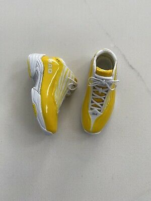 $59.99 • Buy NEW 1/6 ORIGINAL ENTERBAY Shaquille O'neal Lakers Yellow Shoes - USA SELLER