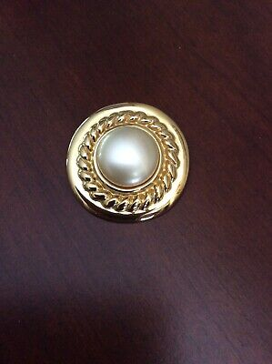 $19.99 • Buy Stunning Goldtone Carolee Cable Faux Mabe Pearl Scarf Clasp 1990's
