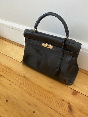 AU5900 • Buy Hermes Kelly 32 In Black