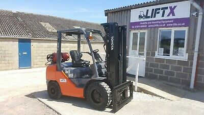 Toyota 8FGF30 3.0T Capacity LPG Forklift Fork Truck 5.5m Triple Mast Hire Or Buy • 11,750£
