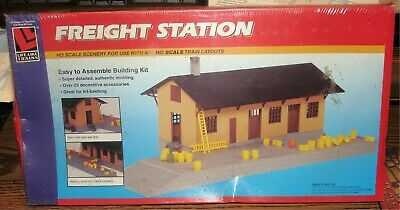 $ CDN22.09 • Buy Life-like - Freight Station Building Kit #1353 - Ho Train Nib Nos