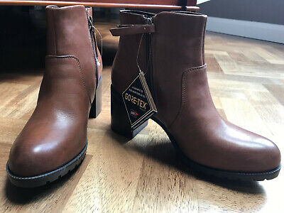 Clarks Ladies Size 6 Leather Dark Tan Boots NEW! • 60£